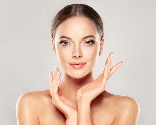 Cosmetice anti-imbatranire naturale - creme, seruri, lotiuni pentru o piele mereu tanara